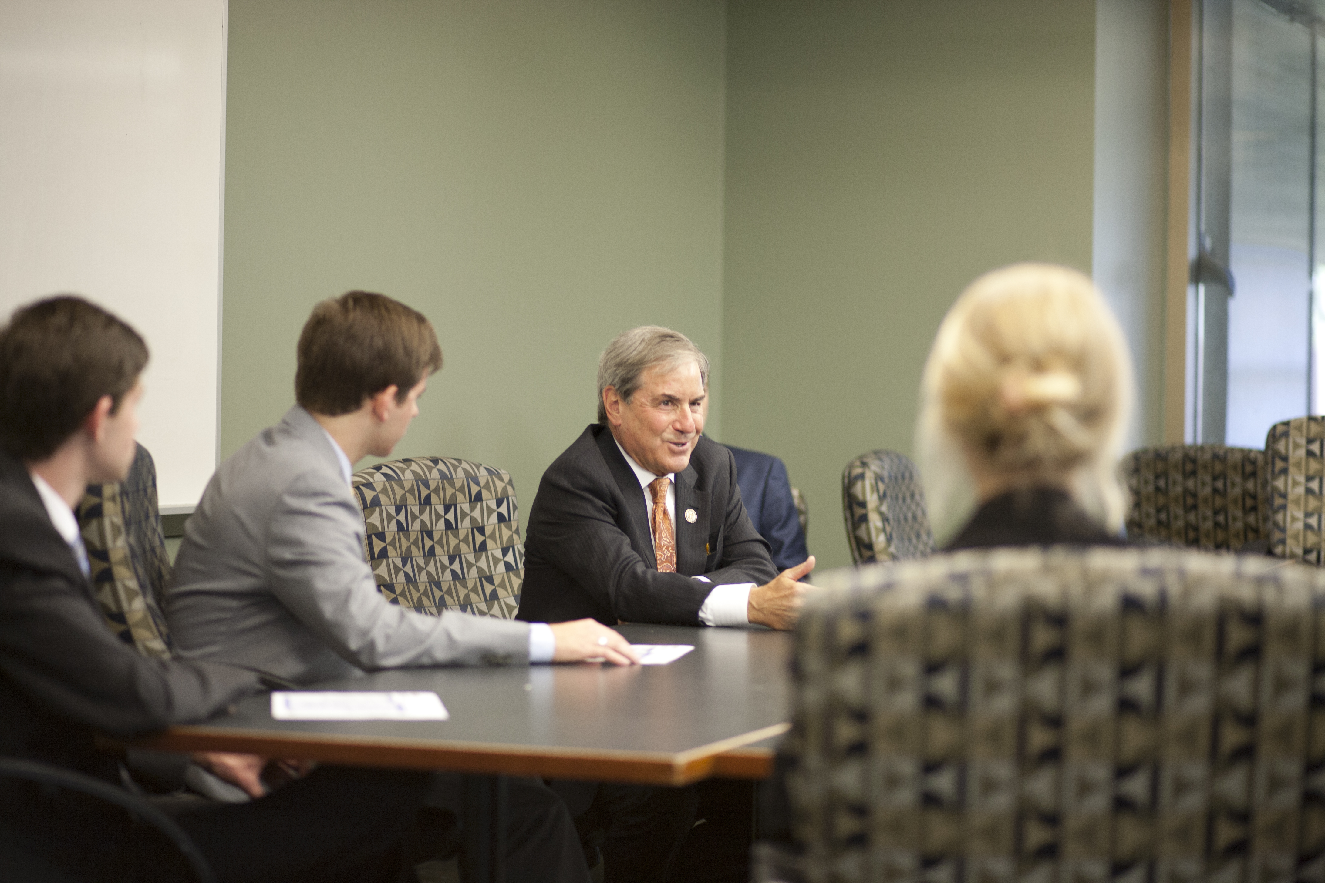 John Yarmuth discussing health care with students