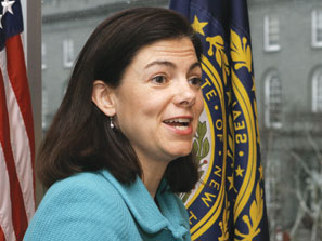 090722_Politics-Kelly-Ayotte_297