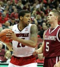 Wayne Blackshear about to pass.
