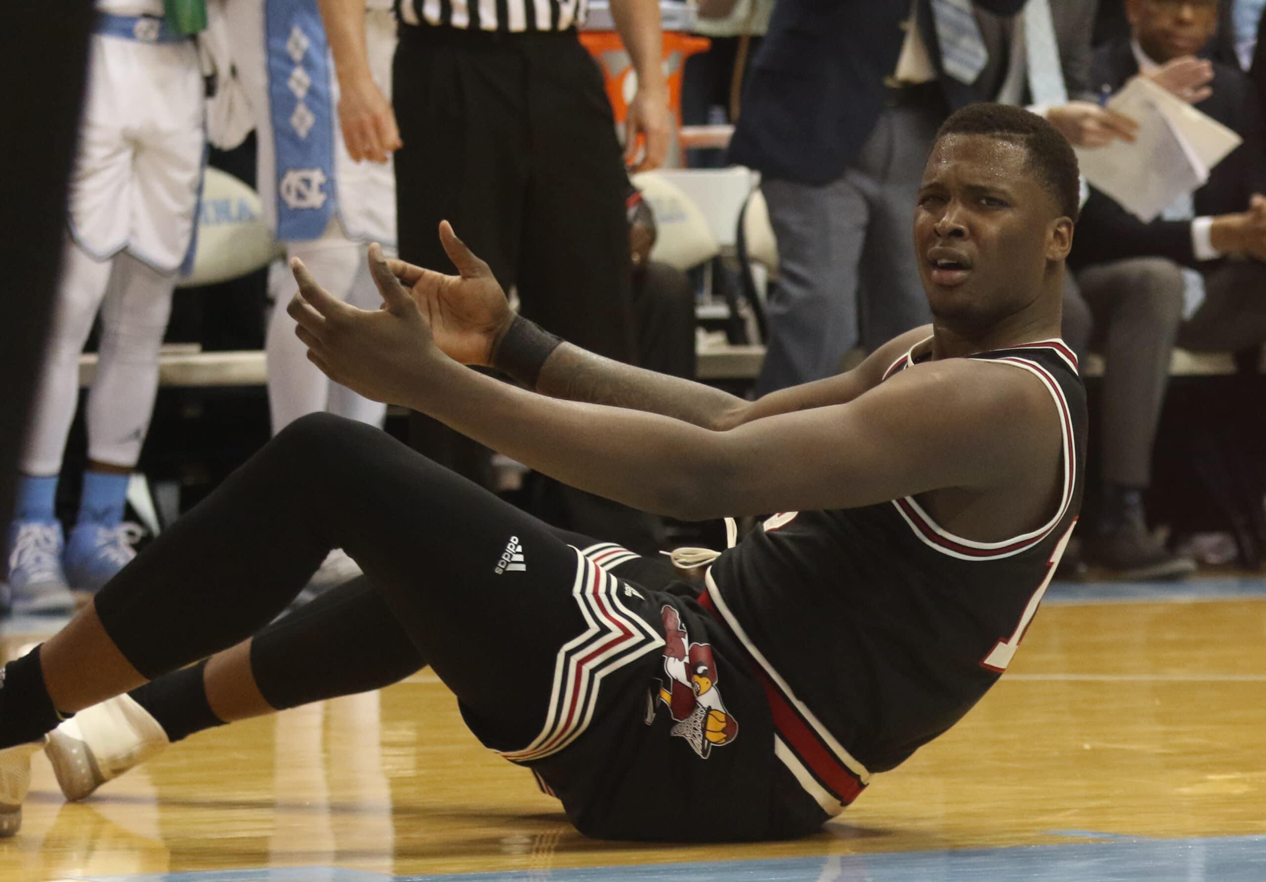 Men's basketball struggles shooting in loss to Tar Heels ...