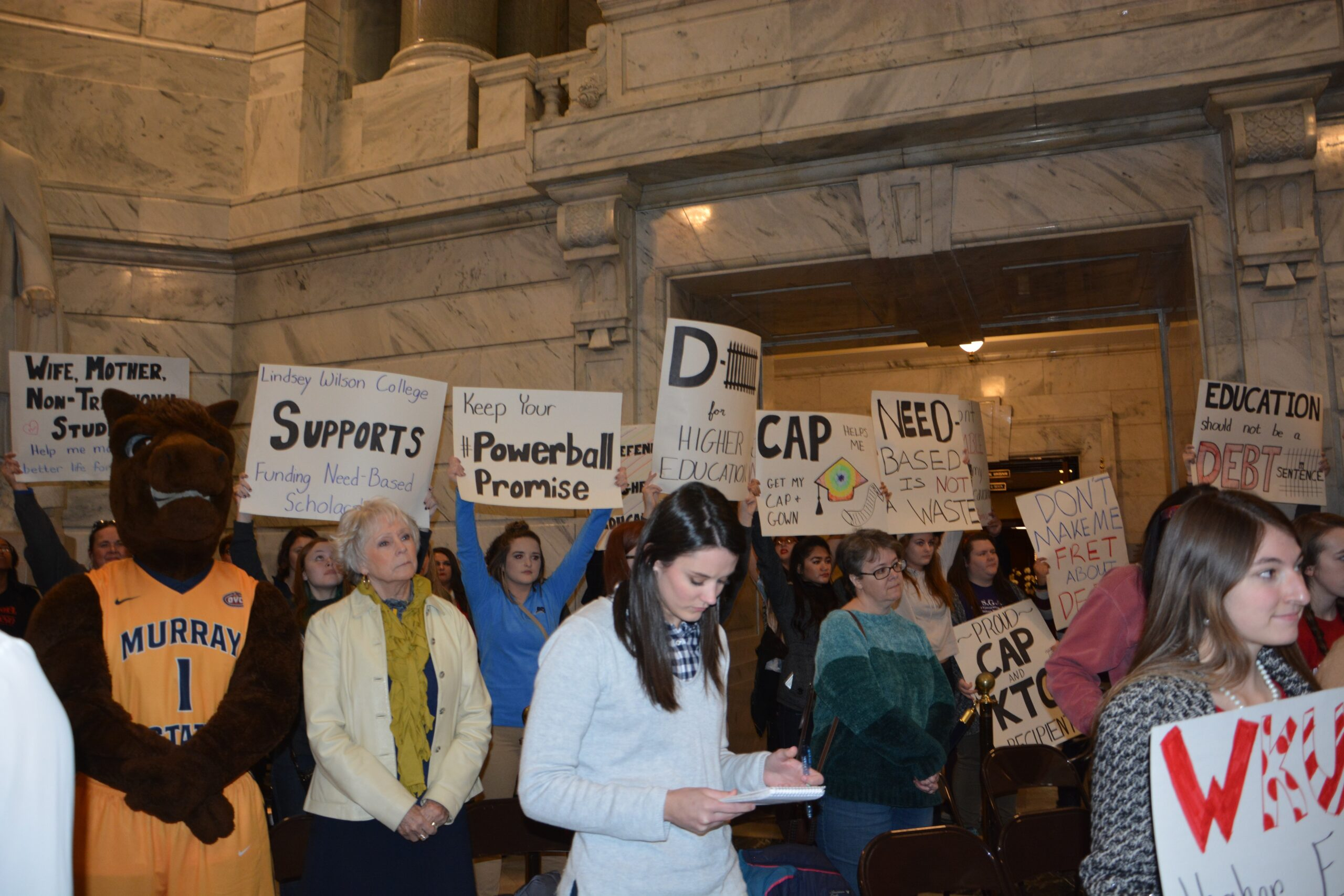students rally for higher ed