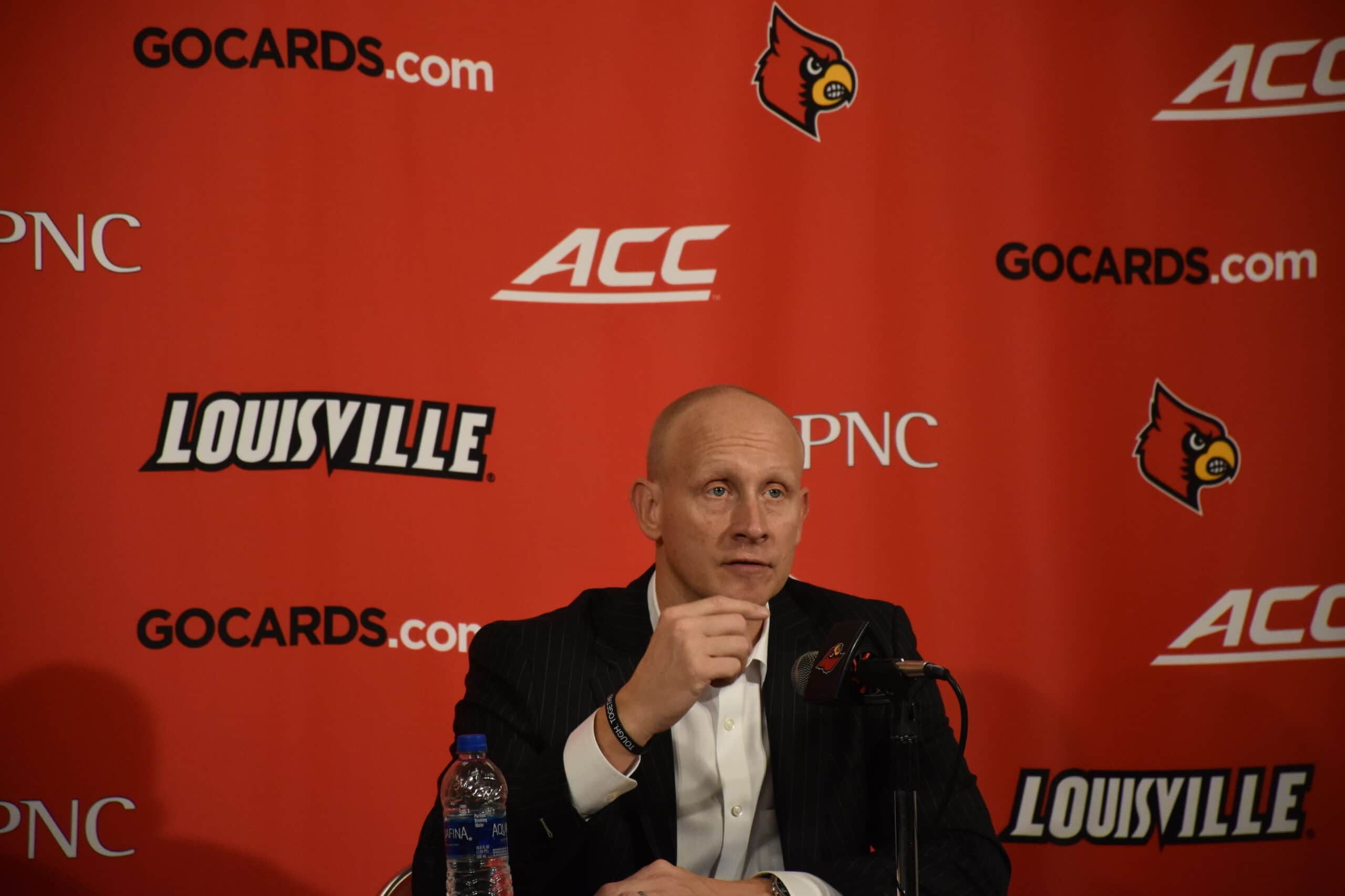 Chris Mack Closes The Men S Basketball Locker Room The Louisville