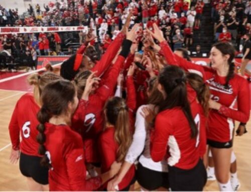 No. 2 Women's Volleyball Take Down No. 4 Pittsburgh